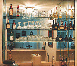 Custom Bar Glass Design